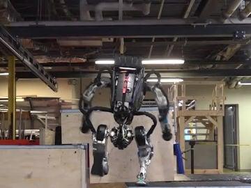 Atlas y sus habilidades con el parkour