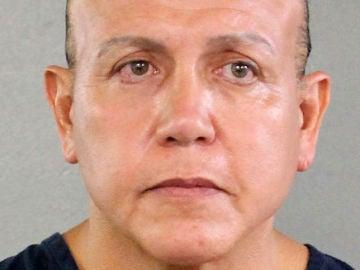 Cesar Altieri, el detenido por los paquetes explosivos: está registrado como republicano y tenía antecedentes penales