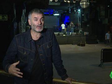 Músico en España y enfermero en Noruega: la doble vida del cantante de La Habitación Roja para ayuda a su mujer enferma
