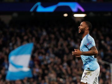 Sterling celebra su gol contra el Shakhtar