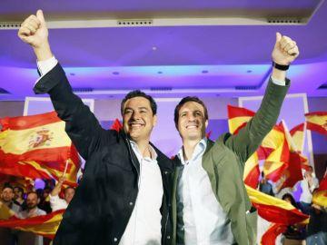 Juanma Moreno y Pablo Casado, en un mitin del PP
