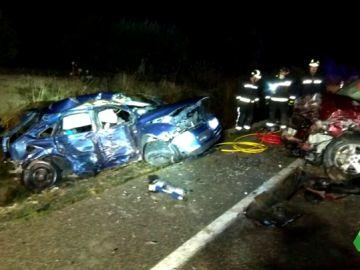 Brutal accidente de tráfico en Úbeda: cuatro jóvenes muertos y dos heridos graves