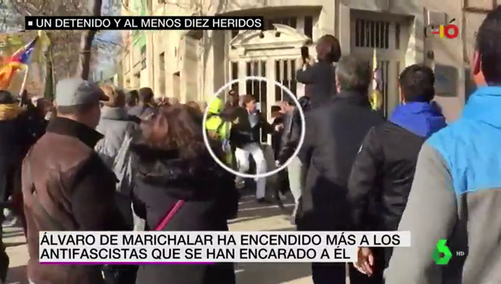 Álvaro de Marichalar intenta reventar una manifestación antifascista durante la batalla campal de Girona