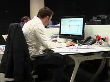 Imagen de trabajadores en la oficina
