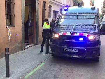 Los Mossos registran dos 'narcopisos' en el barrio barcelonés del Poble-sec