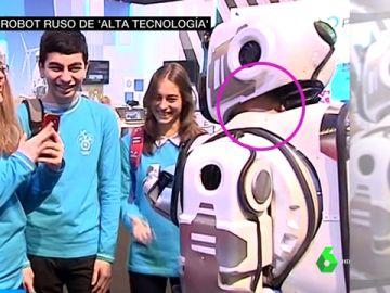 El fraude de un robot de alta tecnología: lo presentan como un avance y se descubre que es un humano disfrazado
