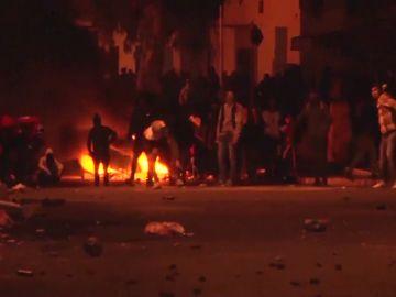 Tercera noche del resurgir de la 'Primavera Árabe' en Túnez