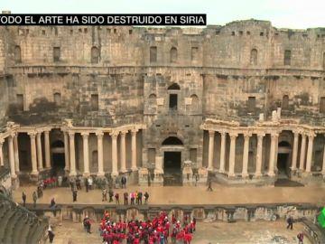 No todo el arte está perdido en Siria: un teatro romano en pie pese a los bombardeos llena de esperanza a los expertos