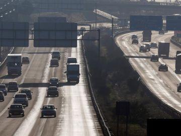 Tráfico en Madrid durante un episodio de contaminación.