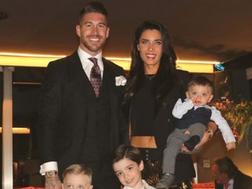 Sergio Ramos, Pilar Rubio y sus tres hijos, en Nochevieja