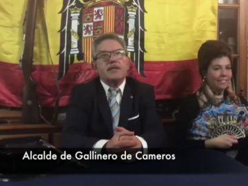 Alcalde de Gallinero de Cameros disfrazado de Franco