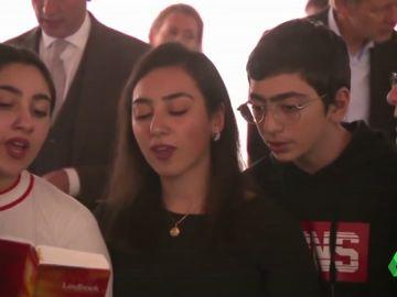 Una familia armenia lleva más de dos meses refugiada en una Iglesia holandesa