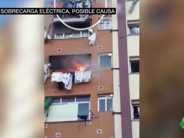 Una sobrecarga y el uso ilegal de electricidad, posibles causas del incendio de Badalona que provocó tres muertes
