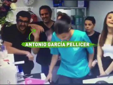 García Pellicer en una clínica dental de Reino Unido