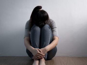Imagen de una niña triste (Archivo)