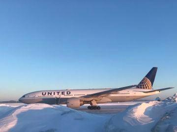 El avión averiado de United Airlines