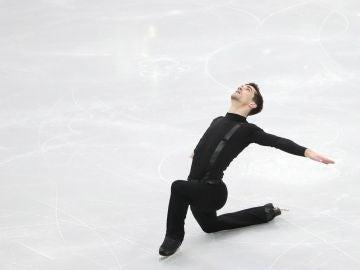 Javier Fernández haciendo un ejercicio