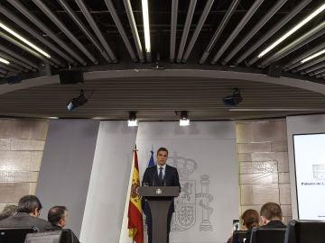 El presidente del Gobierno, Pedro Sánchez, durante la rueda de prensa ofrecida en el Palacio de la Moncloa.