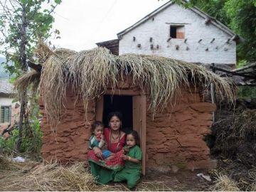 Imagen de archivo e una mujer recluida en Nepal por tener la menstruación