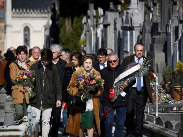 Familiares y amigos homenajean a Fernando Múgica en San Sebastián