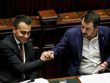 El primer ministro italiano, Matteo Salvini, y el líder del Movimiento 5 Estrellas, Luigi Di Maio