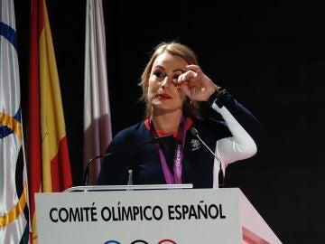Lydia Valentín emocionada recibe la medalla de oro de Londres 2012