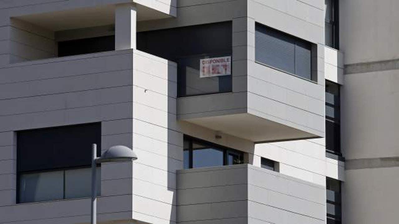 Imagen de archivo de un edificio con viviendas en venta