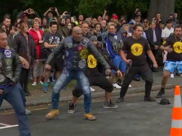 La haka de unos moteros maorís para homenajear a las víctimas del atentado en Nueva Zelanda