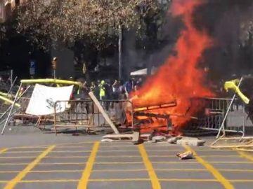 Tensión en un acto de Arran contra la concentración de Vox en Barcelona