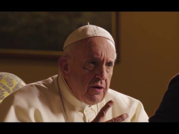 """El papa Francisco, sobre las redes sociales: """"Son una bendición, pero también pueden ser una fuente de alienamiento"""""""