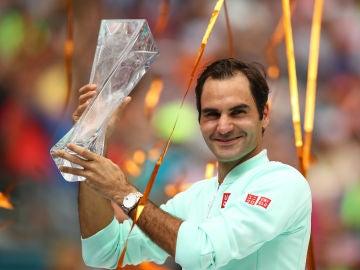 Federer, con el título de Miami