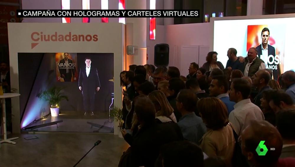 Hologramas, vídeos épicos y bailes: así vive cada partido el inicio de campaña