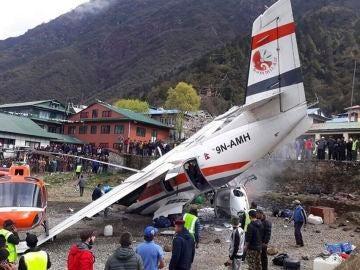 Imagen del avión estrellado en Nepal