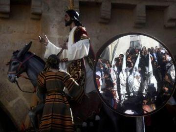 Salida de la Hermandad de Nuestro Padre Jesús de los Reyes en su entrada triunfal en Jerusalén
