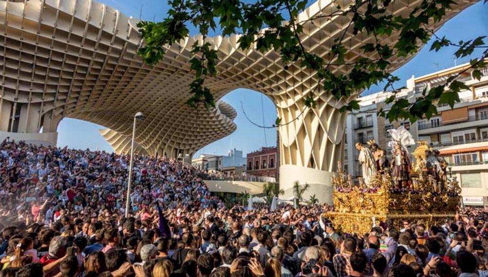Procesión en Sevilla.