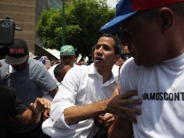 El líder opositor Juan Guaidó participa en una manifestación en Caracas