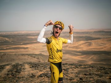 Álex Roca supera la Titan Desert