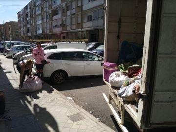 Imagen facilitada por la plataforma Stop Desahucios de Vicálvaro del desahucio de Soraya