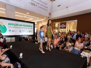 Polémico desfile de menores en Brasil