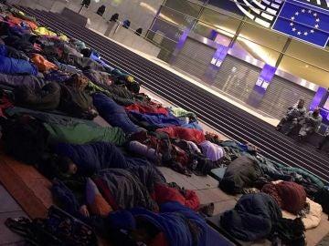 Los jóvenes que han acampado en la Eurocámara