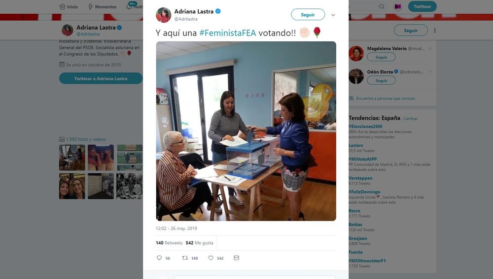 Adriana Lastra votando