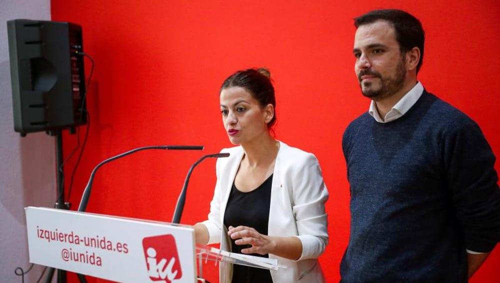 El coordinador federal de Izquierda Unida, Alberto Garzón, junto a la portavoz de la dirección federal y eurodiputada electa, Sira Rego