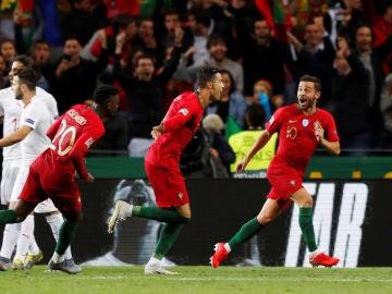 Cristiano Ronaldo celebra uno de sus tres goles contra Suiza