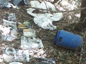 Imagen del material explosivo encontrado en un zulo en Álava