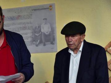 Imagen del anciano que ha donado los ahorros de toda su vida para construir la guardería de su pueblo en Cáceres