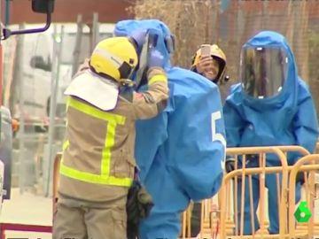 Activan el plan de emergencia química en Molins, Barcelona, por un incendio en una planta potabilizadora