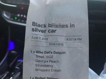 """Un brutal mensaje racista en el ticket de un restaurante sorprende a una mujer afroamericana: """"No lo soportaré"""""""