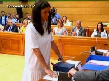 La concejala de Vox expulsada por ir al Orgullo en Torremolinos le da la alcaldía al PSOE