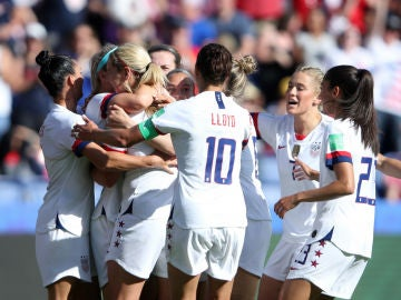 Estados Unidos celebra un gol