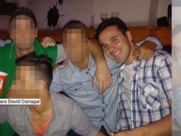 David Carragal junto a sus amigos